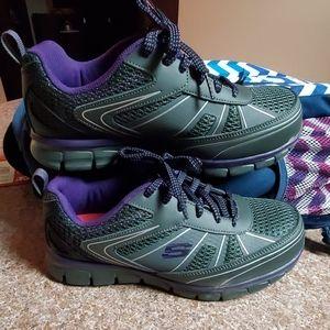 Womens skechers size 8 alloy toe work shoes